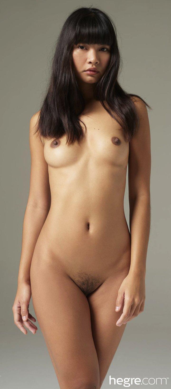 Thai beautiful girl Cara Pin posing completely naked