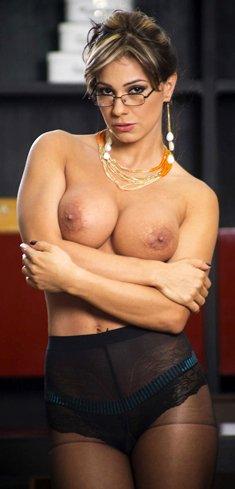 MILF with big tits Esperanza Gomez posing naked in high heels