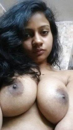 Meena Gupta topless