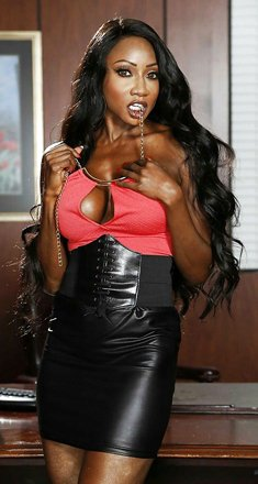 Hot ebony Diamond Jackson