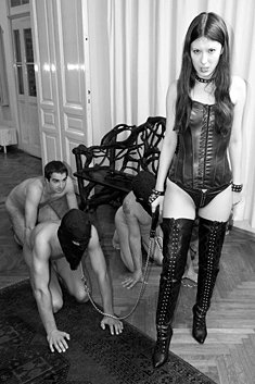 Hot Mistress In Latex Outfit Walking Three Slaves On A Leash