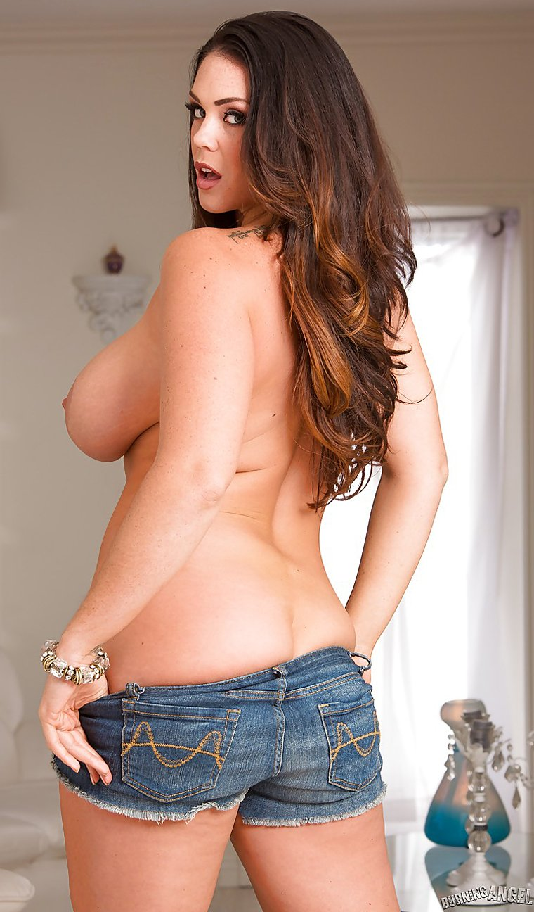 Brunette Alison Tyler showing large boobs and trimmed pussy