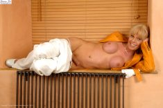Lovely Joanna Jet