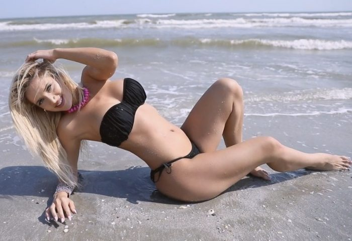 Hot blonde with blue eyes cam girl