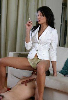 Smoking Mistress Facesitting Femdom