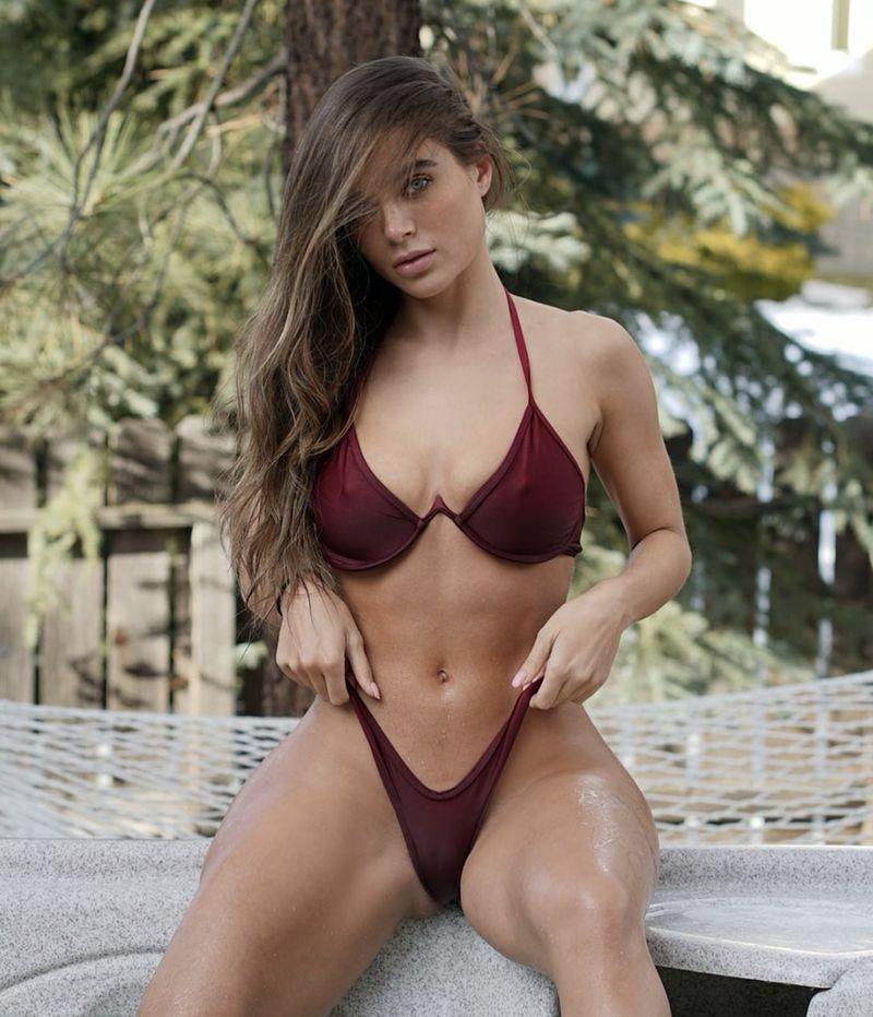 Lana Rhodes – top trending pornstar