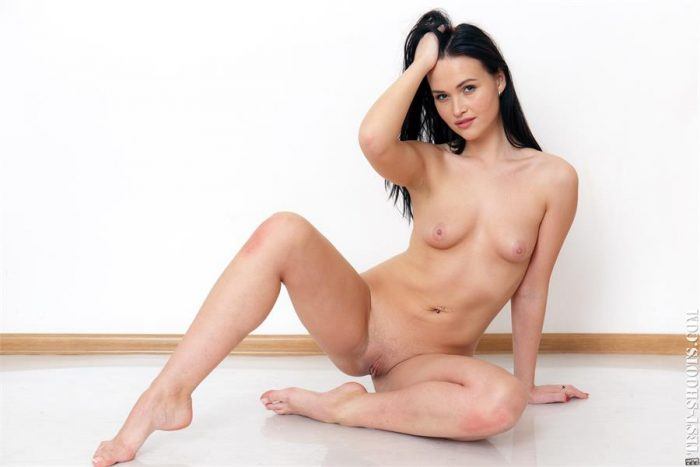 Gabby Bella pretty adorable naked babe in casting