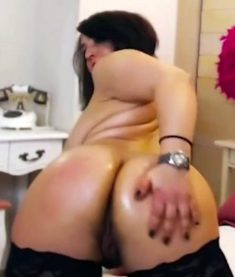 Hot Latina MILF with Big Boobs and Phat Ass