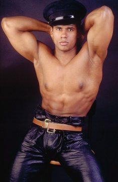 Ebony hunk with a hot bulge