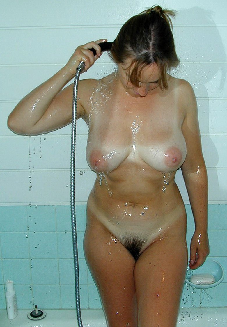Amateur wife with hairy pussy in the shower