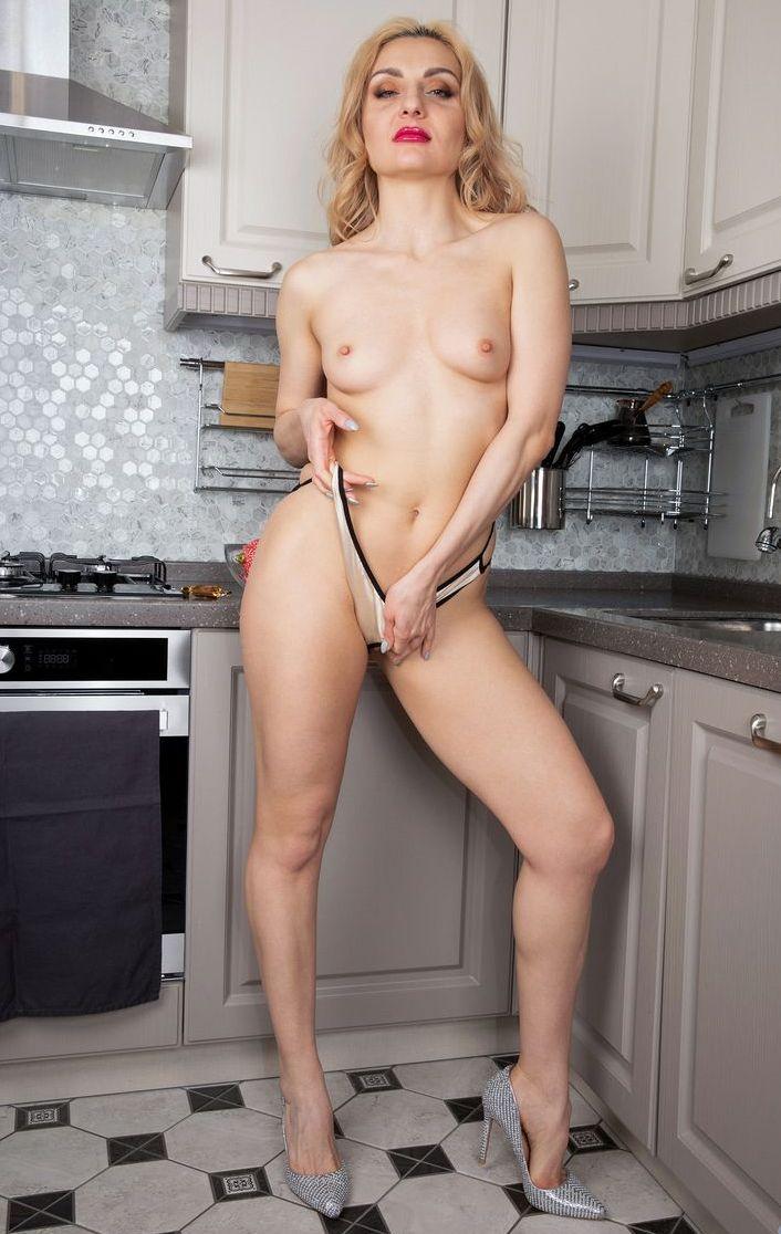 Hot pornstar from Russia Caty Kiss