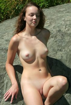 Sexy Naked Amateur Babe