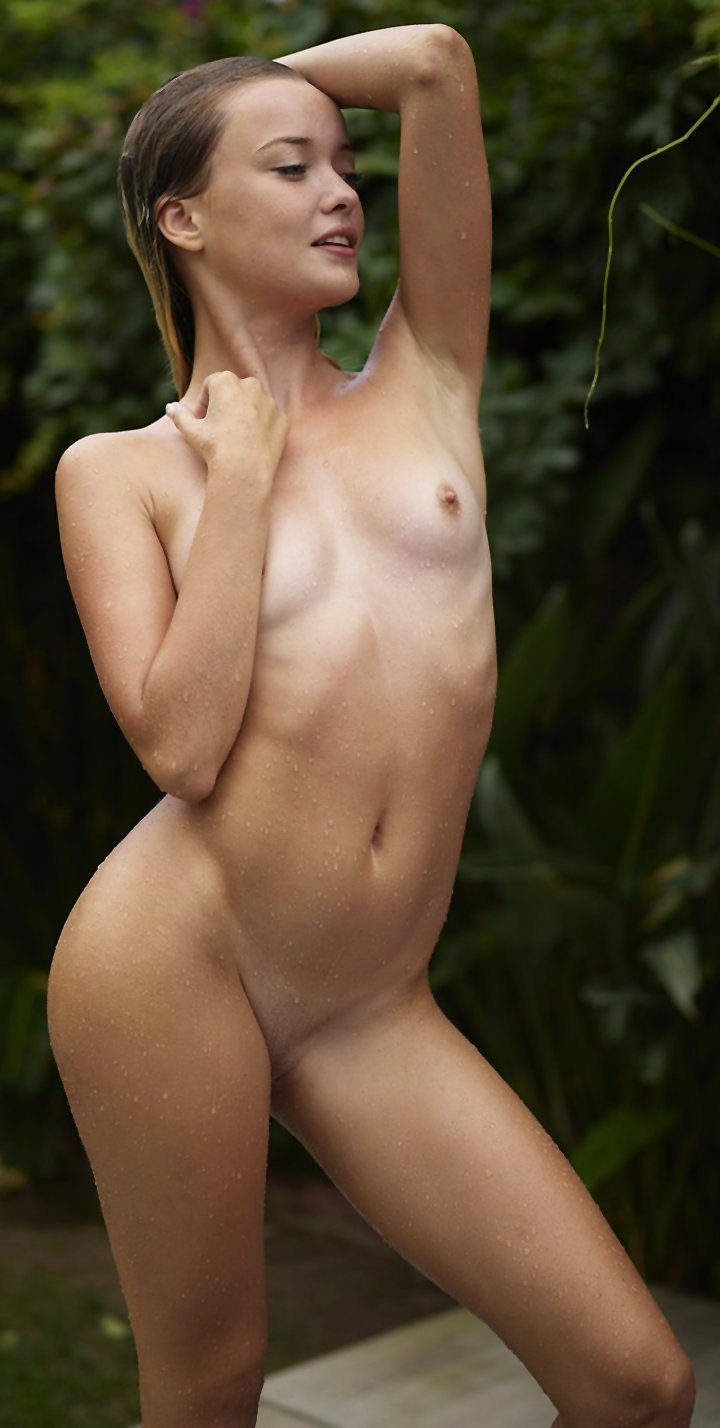 Hot chick Alba flaunts her soaking wet figure while posing by the pool