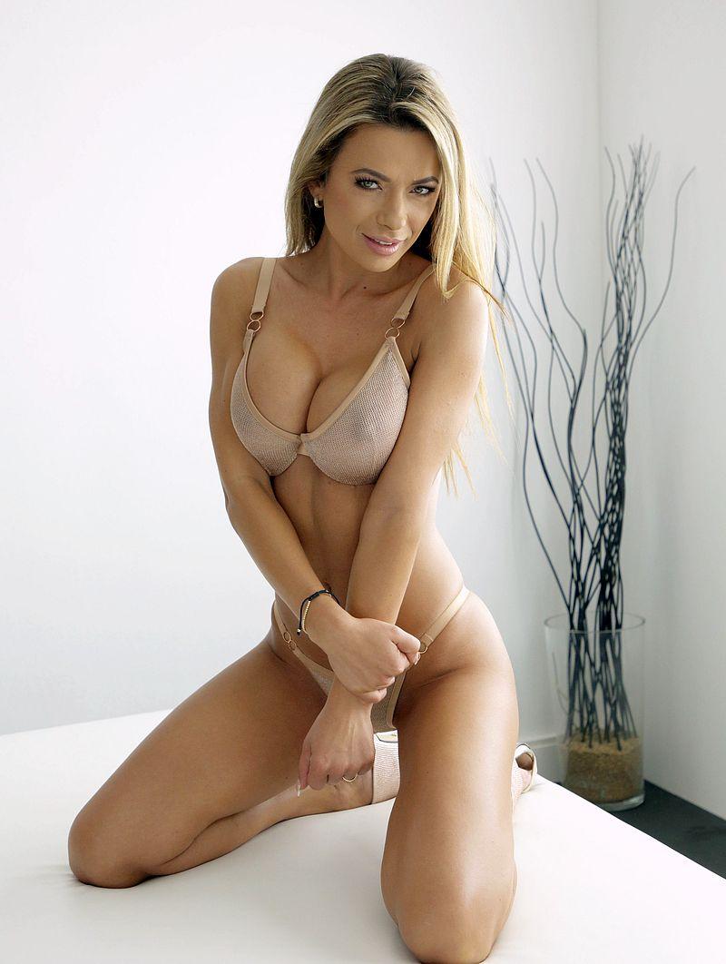 Shalina Devine – Romanian Pornstar