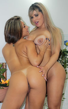 Horny lesbians Angel Lima and Melissa Pitanga lick each other