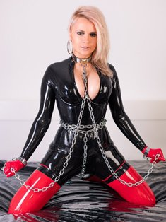 Lara Larsen in chains