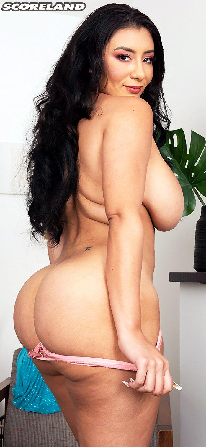 Latina with big boobs Selena Adams showing her big booty