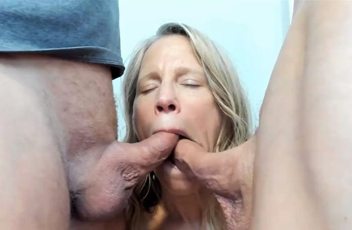 Mature blonde take two cocks in pussy squirt and gets facial