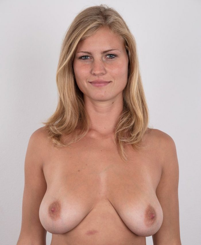 Blonde Adriana strips off her jeans to show her big saggy boobs