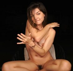 Amazing cam model Jessy know as loollypop24 posing naked outdoors