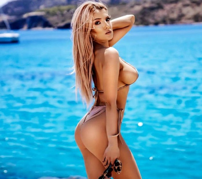 Camgirl of the day 1 September 2021