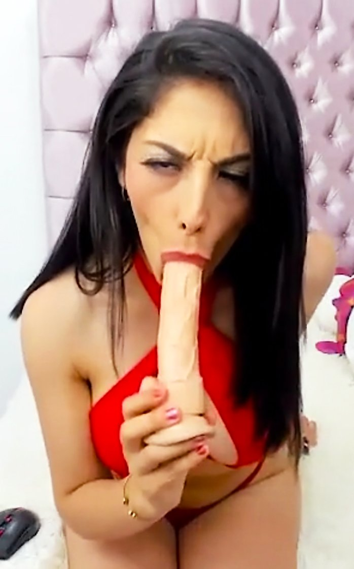 Busty Latina Emma Char Fucking And Screaming On Cam